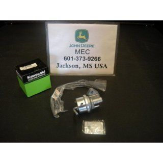 John Deere Replacement Fuel Pump Kit AM132715 for models 285, 320, LX178, LX188, LX277, LX279, X289 and GX345.