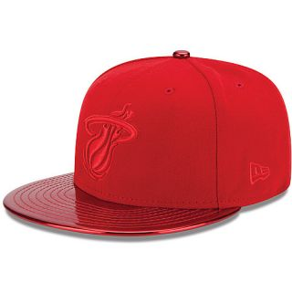 NEW ERA Mens Miami Heat MeddleD Solid Color 59FIFTY Fitted Cap   Size 7.375,