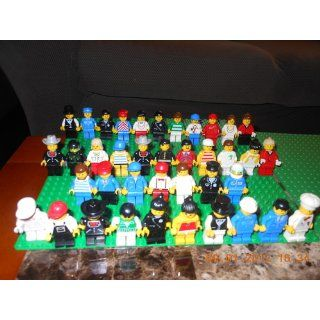 LEGO City MiniFigure Collection (8401) Toys & Games