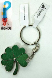 Disney Parks 2013 Green Four Leaf Heart Clover Key Chain   (Comes Sealed)   Disney Parks Exclusive & Limited Availability + BONUS   Colored Belt Clip Key Chain Included Toys & Games
