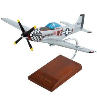 "P 51D Mustang ""Big Beautiful Doll""   1/32 scale model Toys & Games"