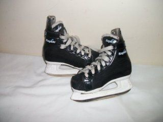CCM 101 Rapide 101 Ice Hockey Skates   Size 11.0 (teenm/adult)   Very good condition  Sports & Outdoors