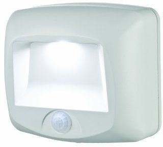 Mr. Beams MB 530 Battery Operated Indoor/Outdoor Motion Sensing LED Step Light, White   Solar Motion Light Indoor