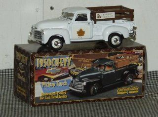 Ertl Collectibles 1950 Chevy Pickup Truck Die Cast Replica White   Hershey in 98 Toys & Games