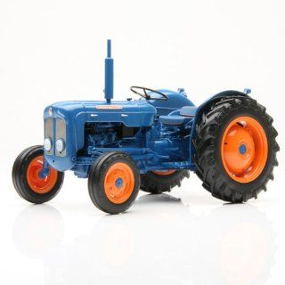 1/16th (1960 1962) Fordson Dexta by Universal Hobbies Toys & Games