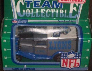 Detroit Lions 1990 Matchbox White Rose NFL Diecast Ford Model A Truck Collectible Car  Sports Fan Toy Vehicles  Sports & Outdoors